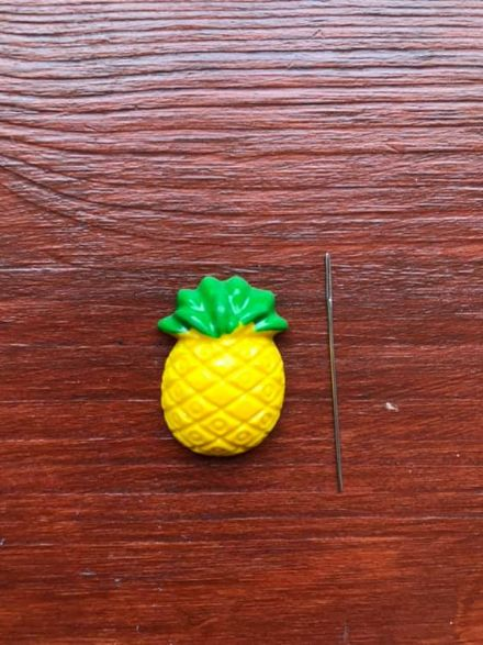 Pineapple Needle Minder